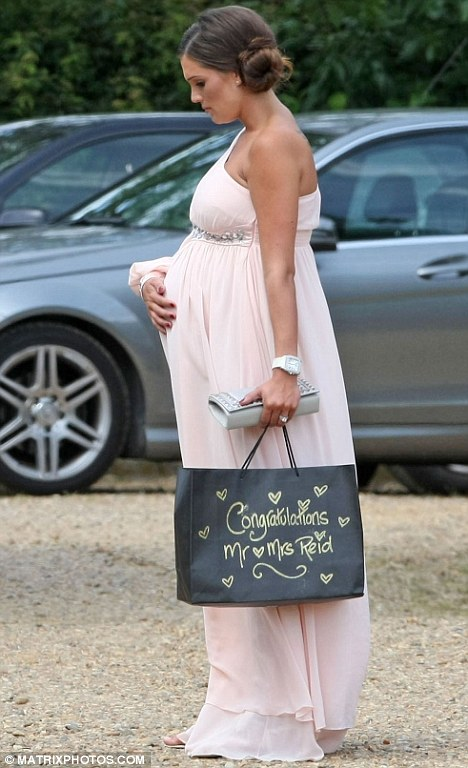 Heavily pregnant Danielle Lloyd goes Grecian for Katie Price and Alex Reid's ...