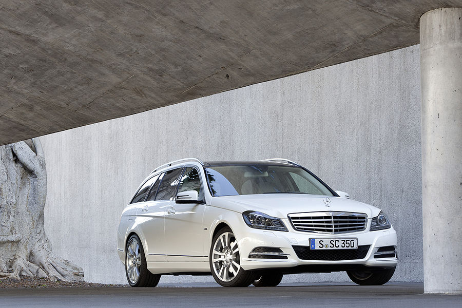 mercedes benz w204 the blog new w204 facelift. Black Bedroom Furniture Sets. Home Design Ideas