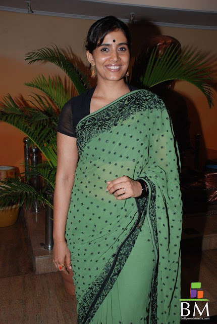 Actress Sonali Kulkarni Saree Photos