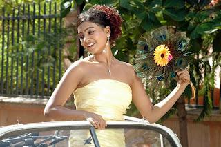Tamil Actress Samantha ruth from Moscowin Kaveri Movie photos