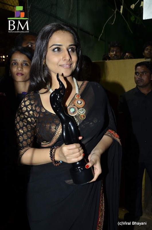 Vidhya balan at th Idea Filmfare Awards photos Photoshoot images