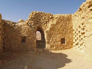 Massada, ruínas da fortaleza, ©David Shankbone. Ciência confirma a Igreja