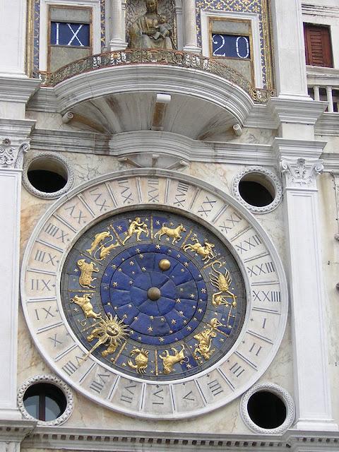 Veneza, Torre dell'Orologio. A cidade medieval