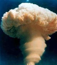 Mao: prazer com a bomba atômica