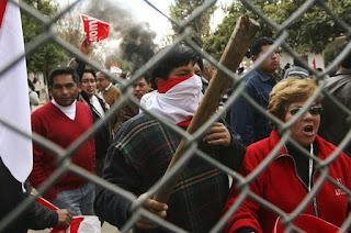 Anti-Evo bloqueiam aeroporto de Tarija