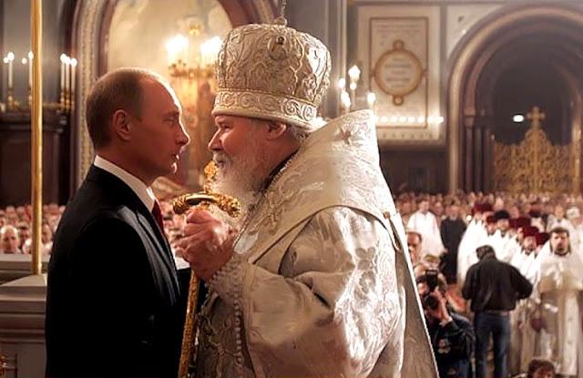 """Putin com o patriarca anterior Alexis II, ou informante """"Drozdov"""""""