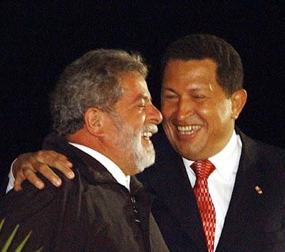 Lula com Chávez no eeroporto Simón Bolívar, Caracas. Ana Nascimento-ABR