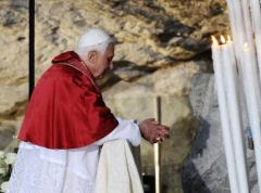 Bento XVI em Lourdes: