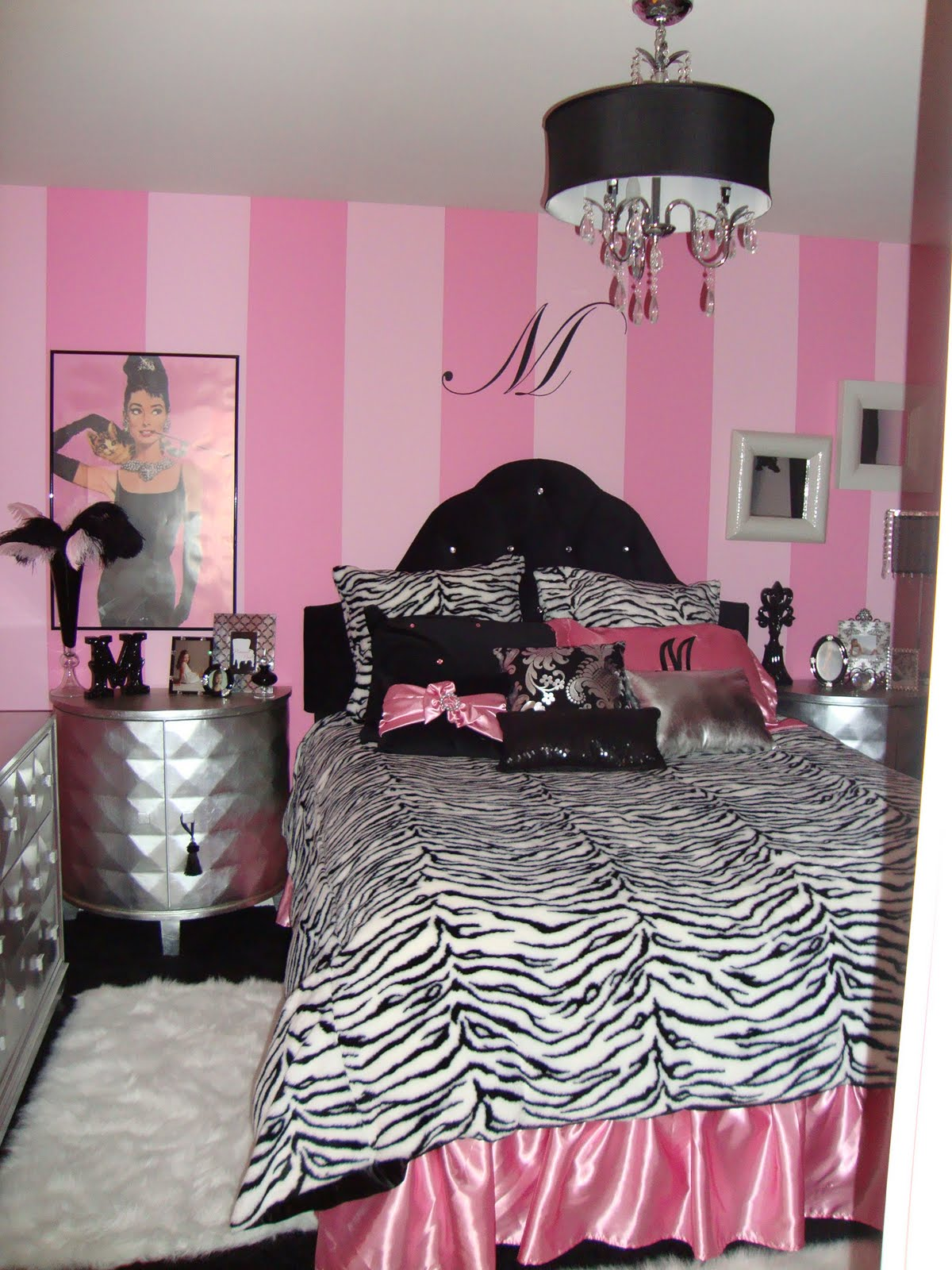 Hollywood Glamour Bedroom - Design Dazzle