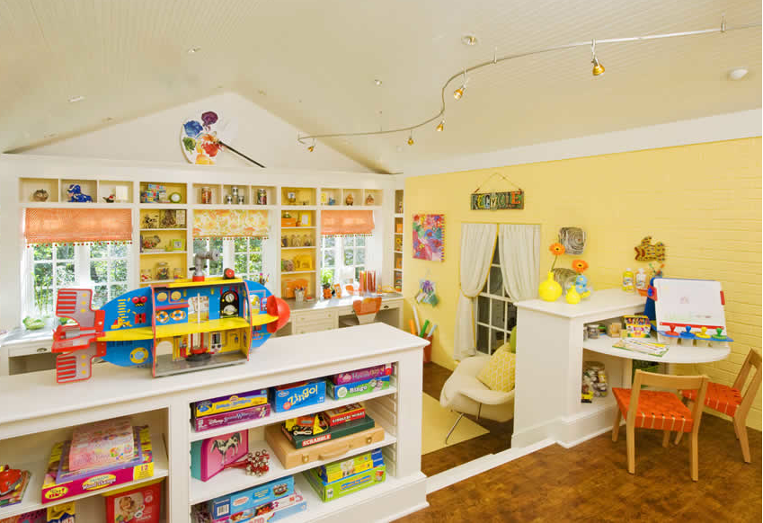 Kids' Craft & Play Room