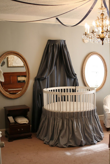 Check ουt thіѕ sweet baby girl nursery designed wіth blues аnd grays bу
