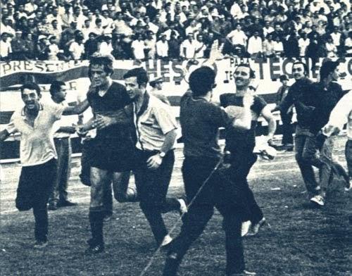 Imborrable boca 14 de diciembre de 1969 vuelta ol mpica for Puerta 2 cancha de boca