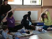 """proyecto """"estimulacion temprana y yoga"""" CEFAM Noviembre 2009 con Maria Paz Tapia, Kinesiologa"""