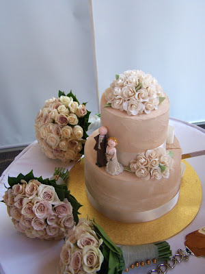 Some beautiful combinations of mocha latte and cream roses