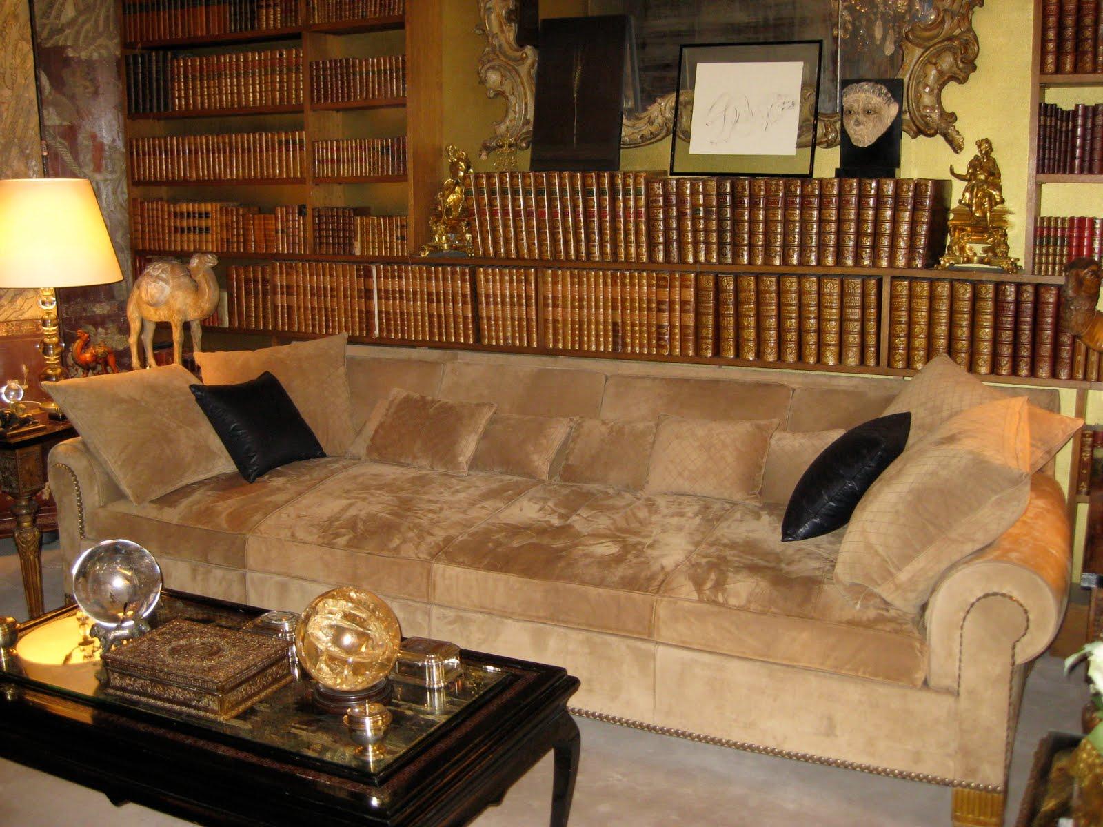 http://1.bp.blogspot.com/_L4KH11-8DrQ/TATkQW6FpkI/AAAAAAAAAFY/bKGdqdjO-2M/s1600/sofa.JPG