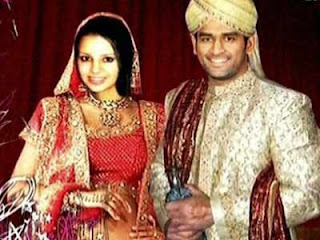 Dhoni Sakshi Photos of Cricketers Wifes : Cricketers Wives and Girl Friend Pics,Images