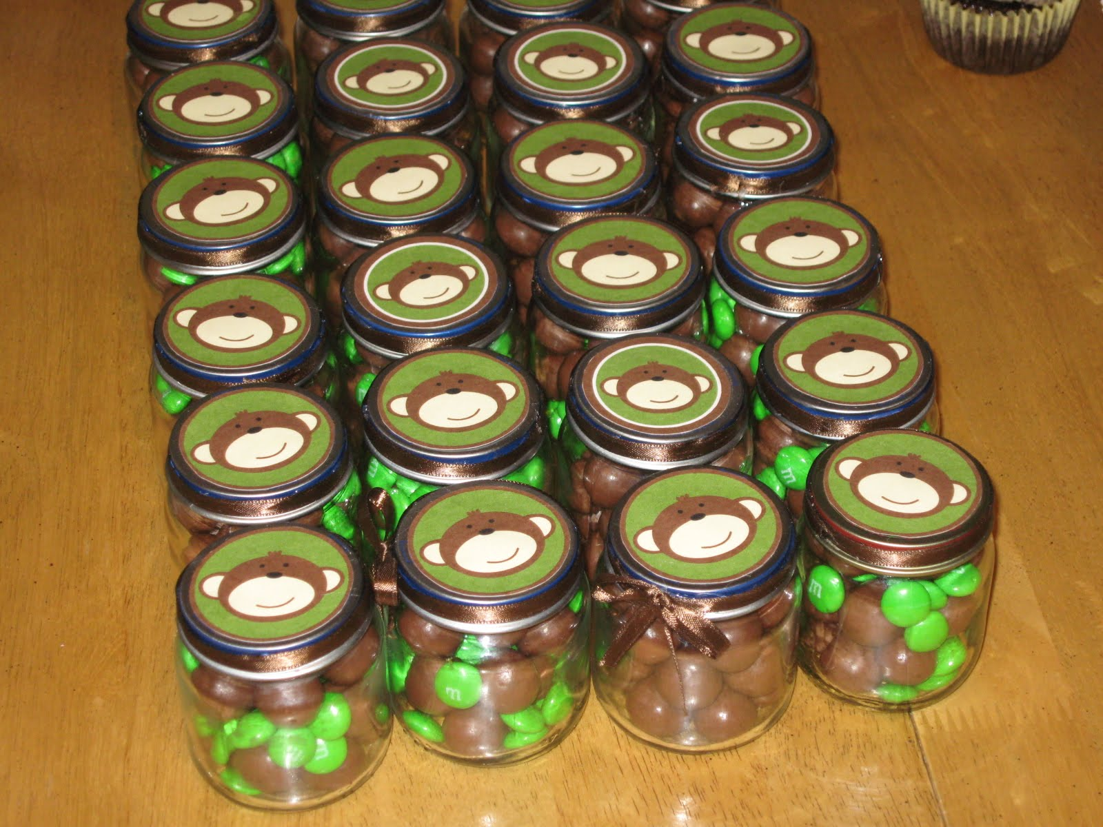 Recycled baby food jars turned party favor! Thanks Craft~o~Maniac for ...