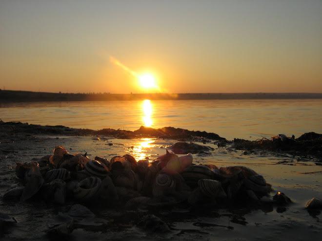 Apus de soare pe Lacul Stânca Costeşti din Ştefăneşti / BT