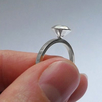 {Design} Silver diamond ring by Metalicious