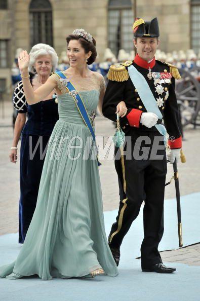 The Royal Order of Sartorial Splendor: Week in Review: Crown ...