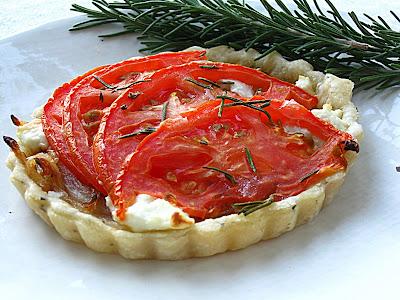 All That Splatters: Weekend Blog Showcase - Rosemary Tomato Tarts