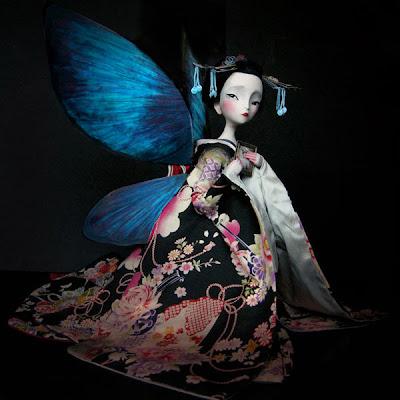http://1.bp.blogspot.com/_L9Kktg7VzYA/TPjBEWRBZiI/AAAAAAAABbY/n87Kykmw9pk/s1600/doll_butterflyW0%255B1%255D.jpg
