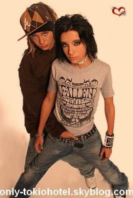 from Bentlee tokio hotel are they gay