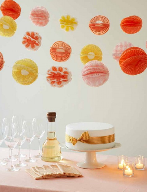 Art Outpost: Cupcake Liner PomPom Garland