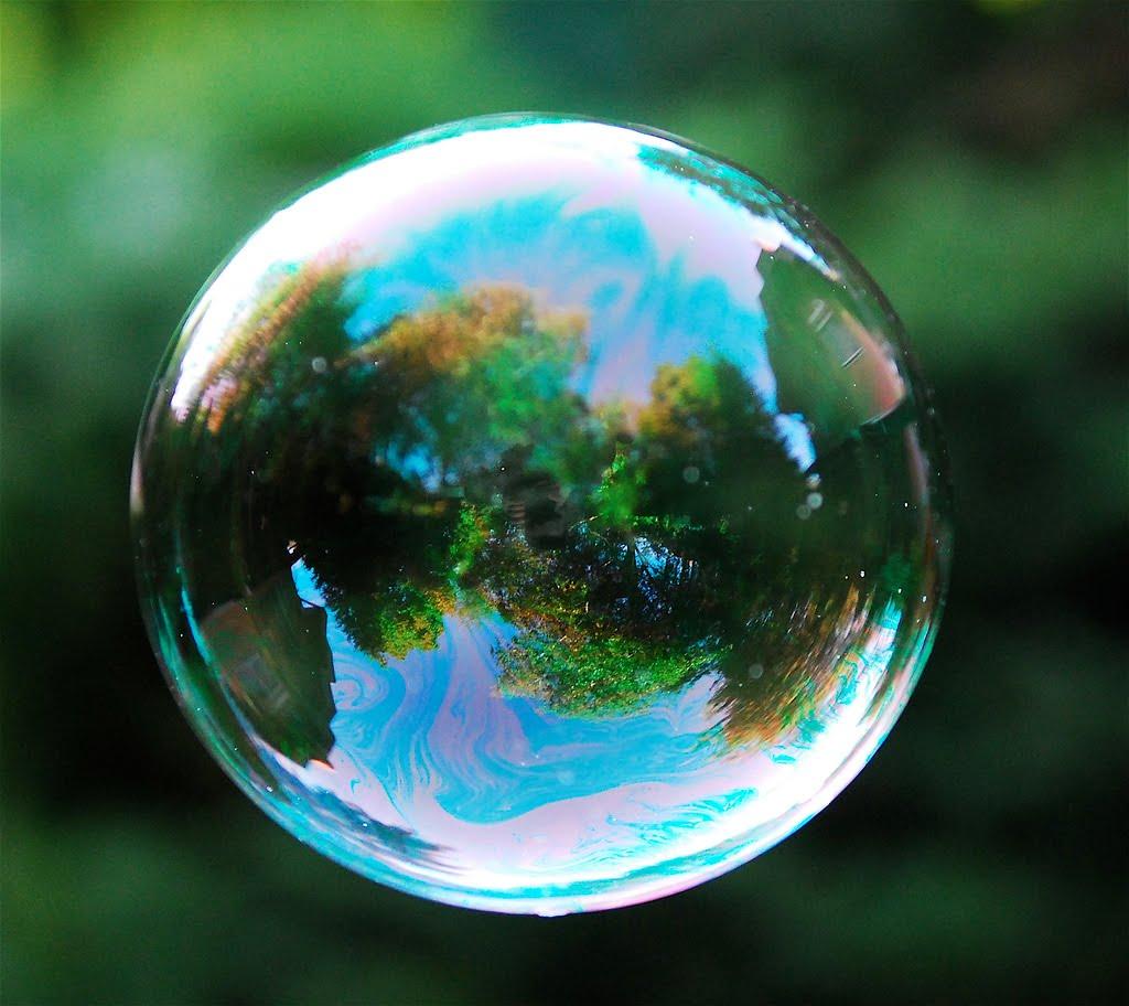 http://1.bp.blogspot.com/_L9jUO5ay-c4/TUhJ35fLANI/AAAAAAAABNA/TnIUUd9iG2o/s1600/real-bubble-1.jpg