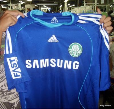 Maglia Verde  Vazou outra versão da camisa azul 6842b96924781
