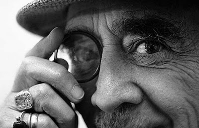 http://1.bp.blogspot.com/_LB5pztU29zg/TIUC6-N2CLI/AAAAAAAAEGo/hT4apL3Pm6k/s400/M.+Mujica+Lainez.jpg