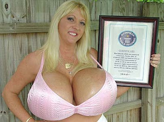 http://1.bp.blogspot.com/_LBiBm3RTkQQ/Sk3zZSW4cpI/AAAAAAAAD7E/CNKvxdC-wzA/s1600/payudara_terbesar.jpg