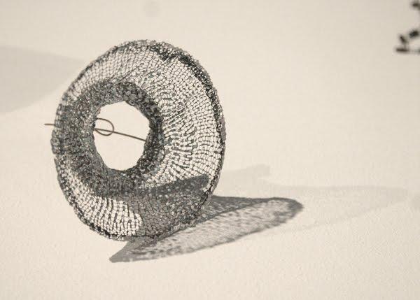 Inari KIURU - Winter Thoughts dans COUP DE COEUR mesh_brooch_s
