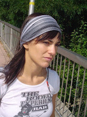 Melina Passadore, con vincha hippie