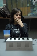 Melina Passadore tapándose la boca