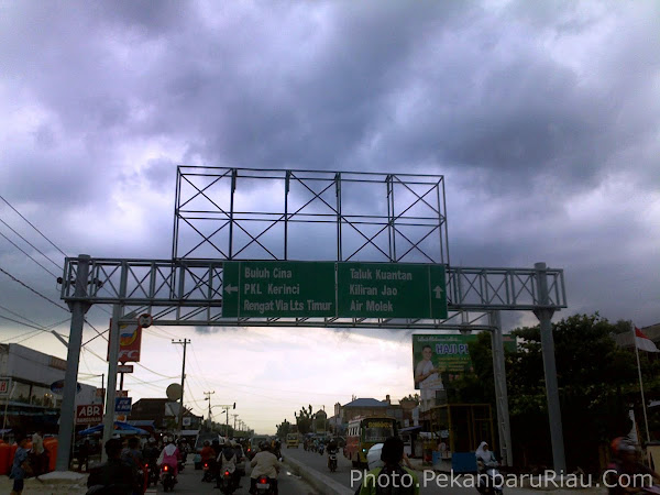 The Sign, Portal and Traffic of Pekanbaru