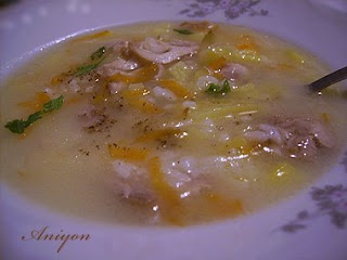 Chicken soup without egg-based thickener