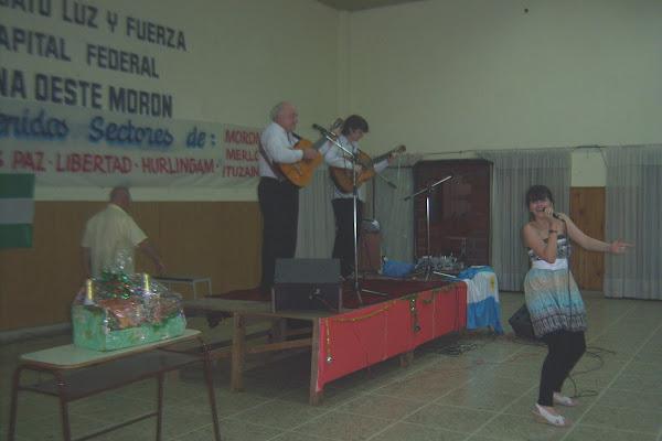 """Antonella y Raices de guitarras - """"Luz y Fuerza"""" - Morón"""