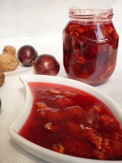 Articole culinare : Dulceata de prune cu nuca