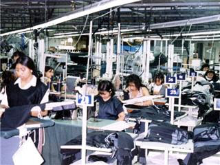 Nicaragua... trabajar por 70 euros al mes. Las maquilas son empresas que se  ... 25a36c3deca6f