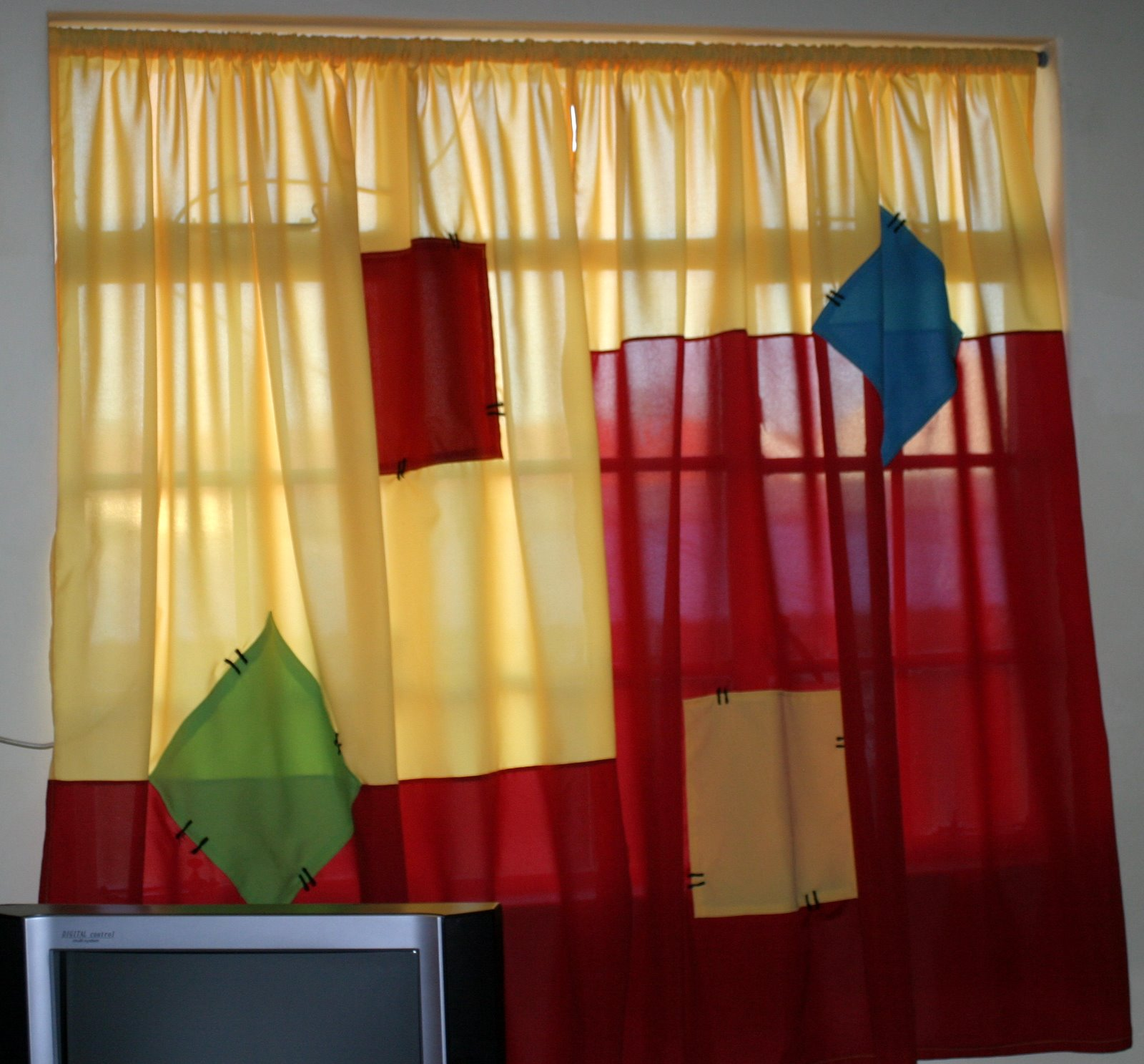 Charlene Creative Crafts Etc Some Funky Curtains For An
