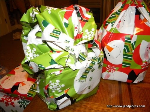 Diy: How To Wrap A Gift - Essortment Articles: Free Online