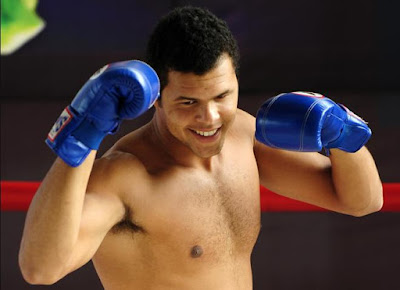 Black Tennis Pro's Jo-Wilfried Tsonga kickboxing in Thailand