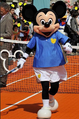 Black Tennis Pro's Mickey Mouse Disneyland Paris