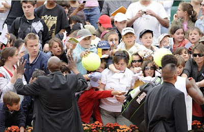 Black Tennis Pro's Gael Monfils Signing Authographs Benny Berthet Day