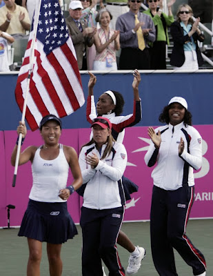 2007 USA Fed Cup Team Venus and Serena Williams, Vania King, Lisa Raymond