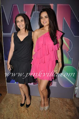 Rani and Preity Zinta at Manish Malhotra show