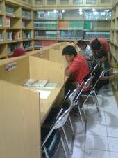 Perpustakaan yang Lengkap