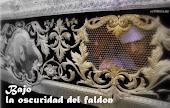 BAJO LA OSCURIDAD DEL FALDÓN