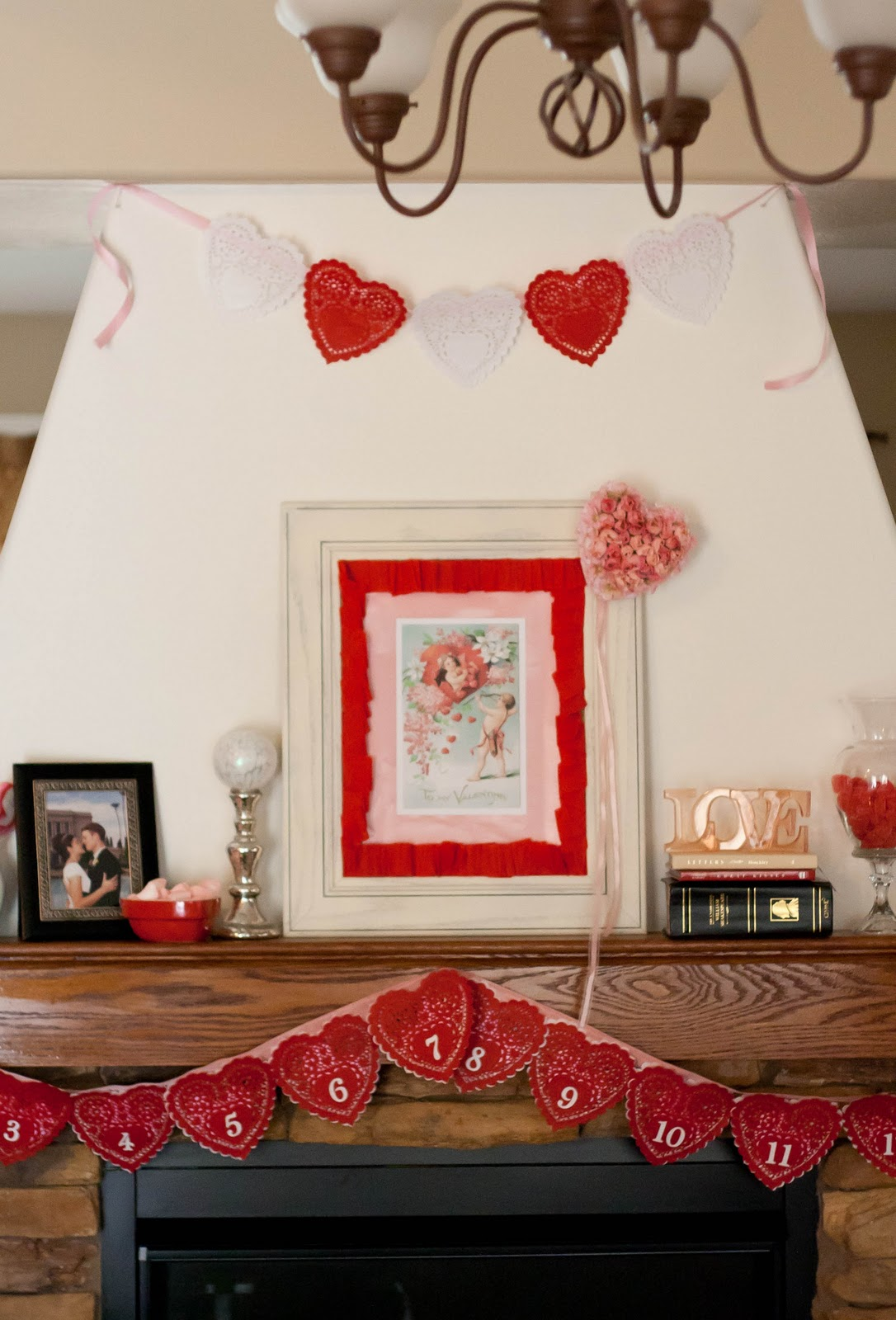 How to Make a Love Letter Garland {Valentine} - Tip Junkie